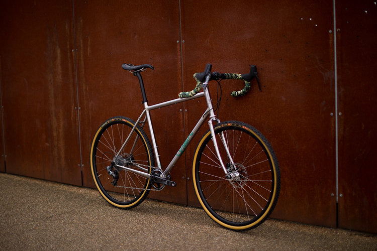 quirk_cycles_alistairs_stainless_bruiser_01.jpg