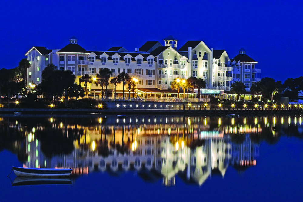 Waterfront Inn at night.jpg