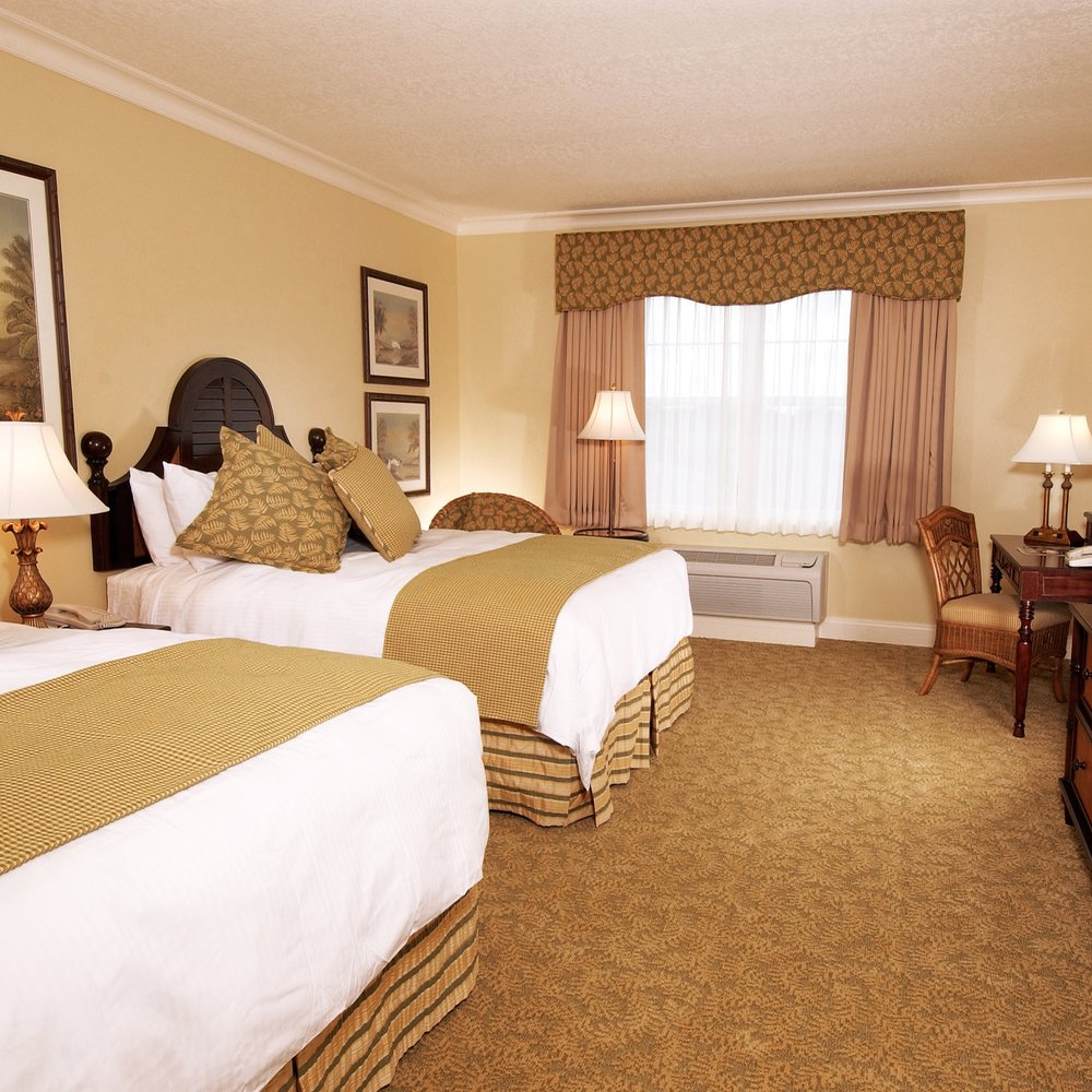 Waterfront Inn Villages-Double Queen Guestroom Closeup.jpg