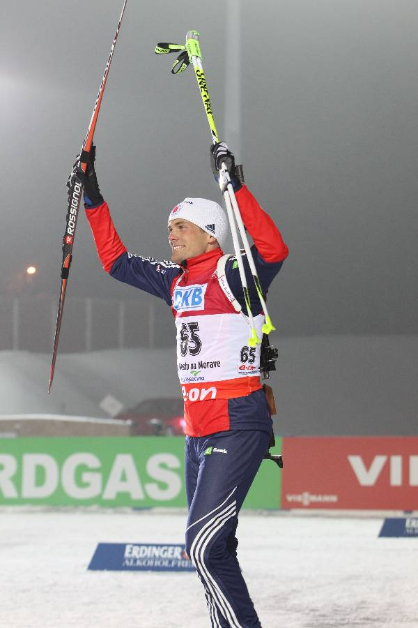 Tim Burke skiing to a historic silver medal at the biathlon world championships in the Czech Republic // photo courtesy Nordic Focus and US Biathlon