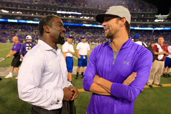 Former Baltimore Ravens defensive back Ed Reed, left, with Michael Phelps at M&T Bank Stadium last month // photo Getty Images