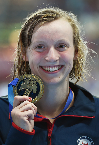 Katie Ledecky with her 400 free gold // Getty Images