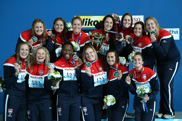 The gold medal-winning US women's water polo team // Getty Images