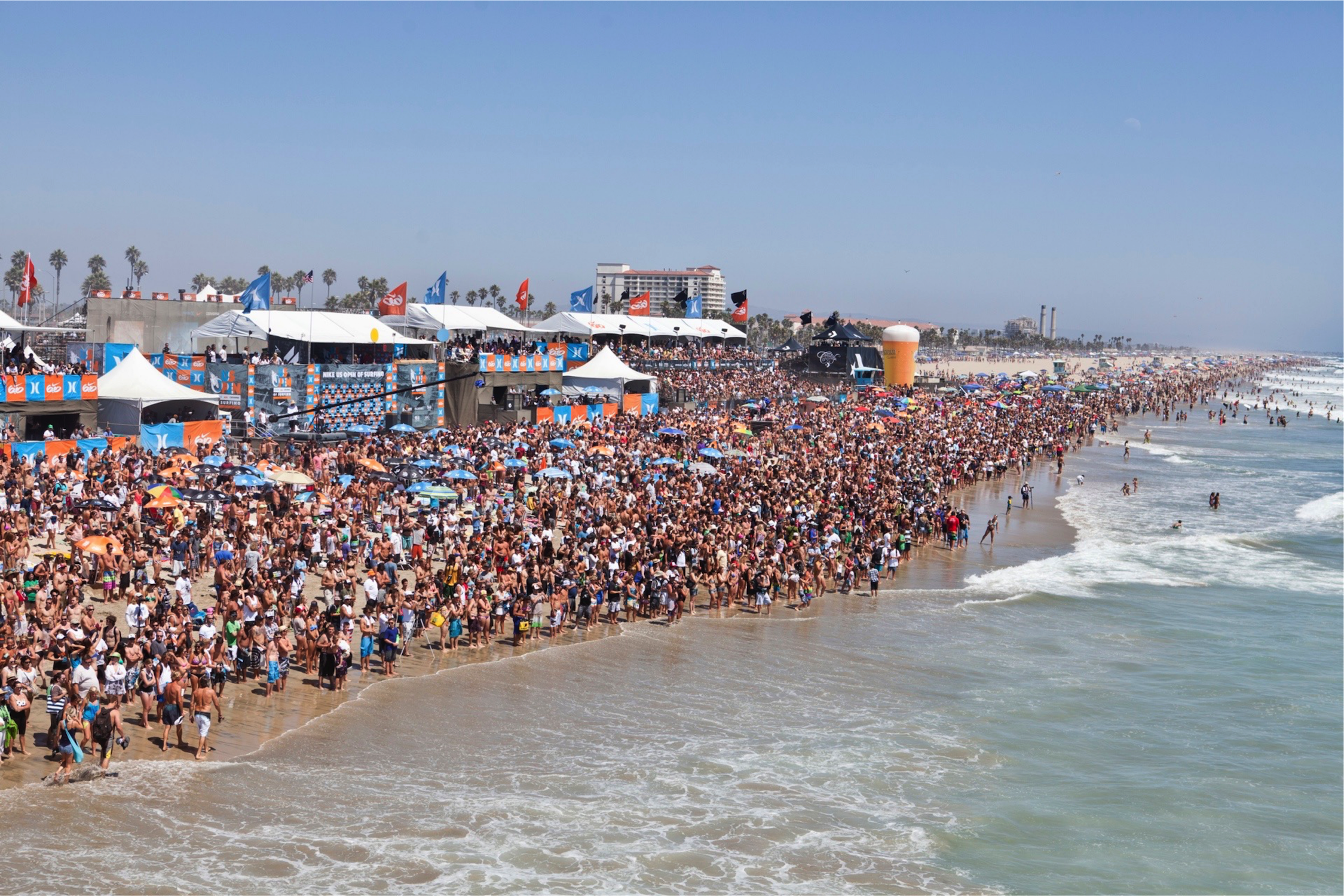 The scene at a surfing U.S. Open in recent years in Huntington Beach, California // photo U.S. Open of Surfing