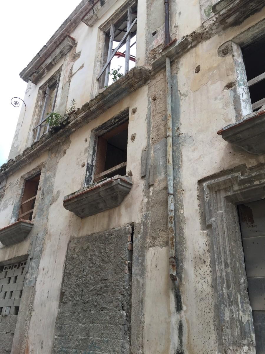 Not-uncommon Havana street scene