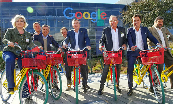IOC president Thomas Bach, center, at Google HQ // photo IOC