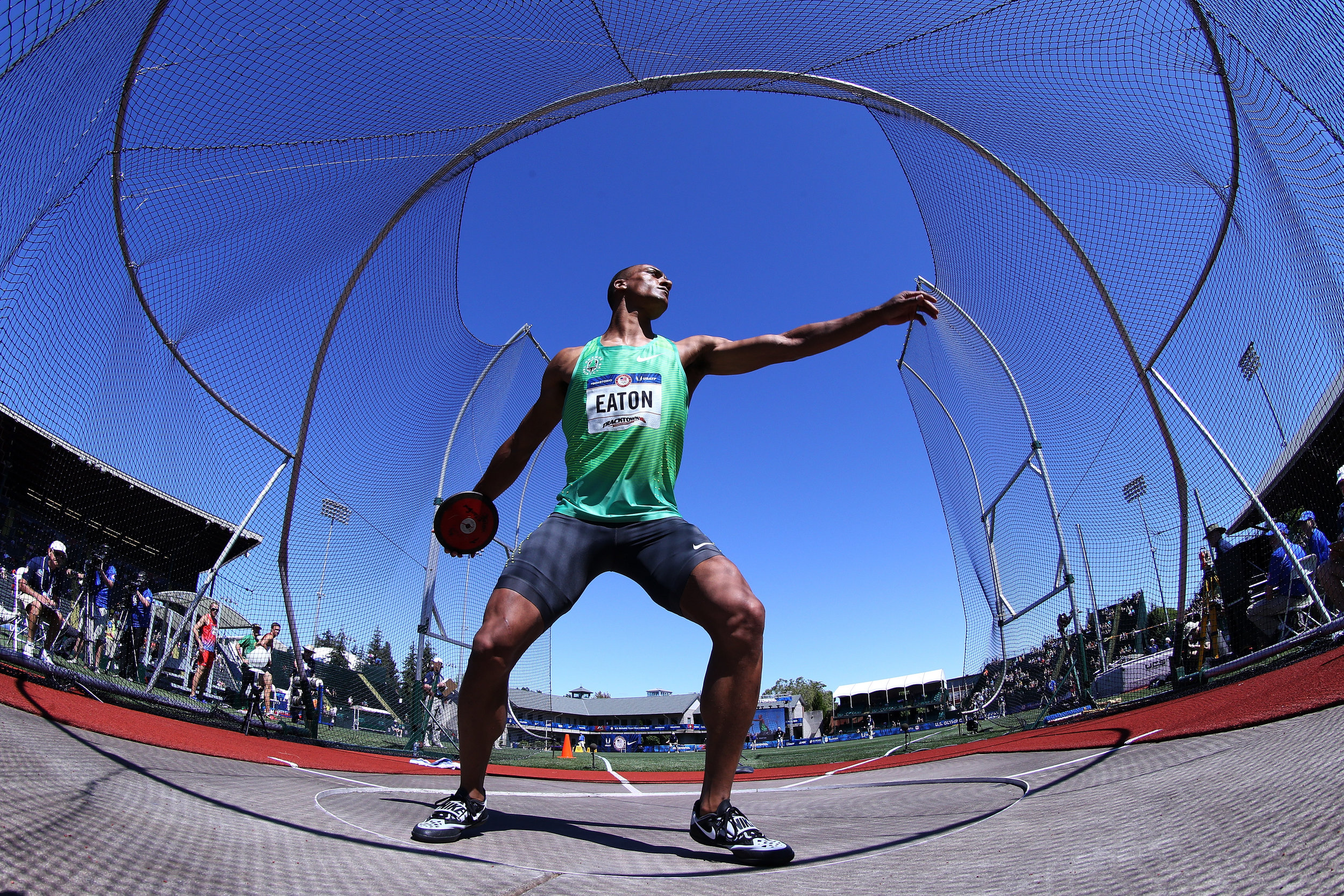 Ashton Eaton throwing in the decathlon discus // Getty Images