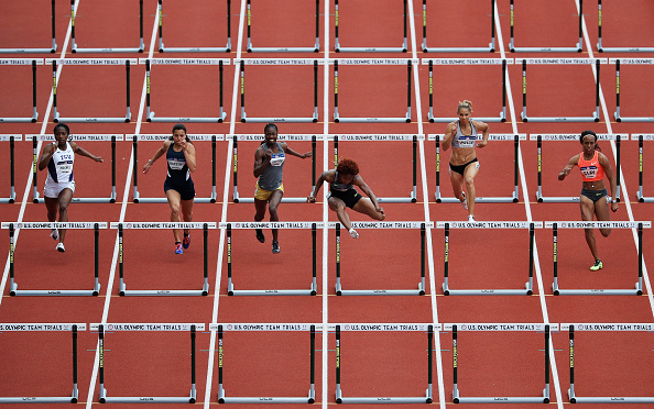 Brianna Rollins leading her 100 hurdles heat // Getty Images