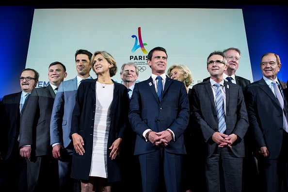 Tony Estanguet, third from left, with others in the Paris 2024 bid and French sports and government hierarchy // Getty Images
