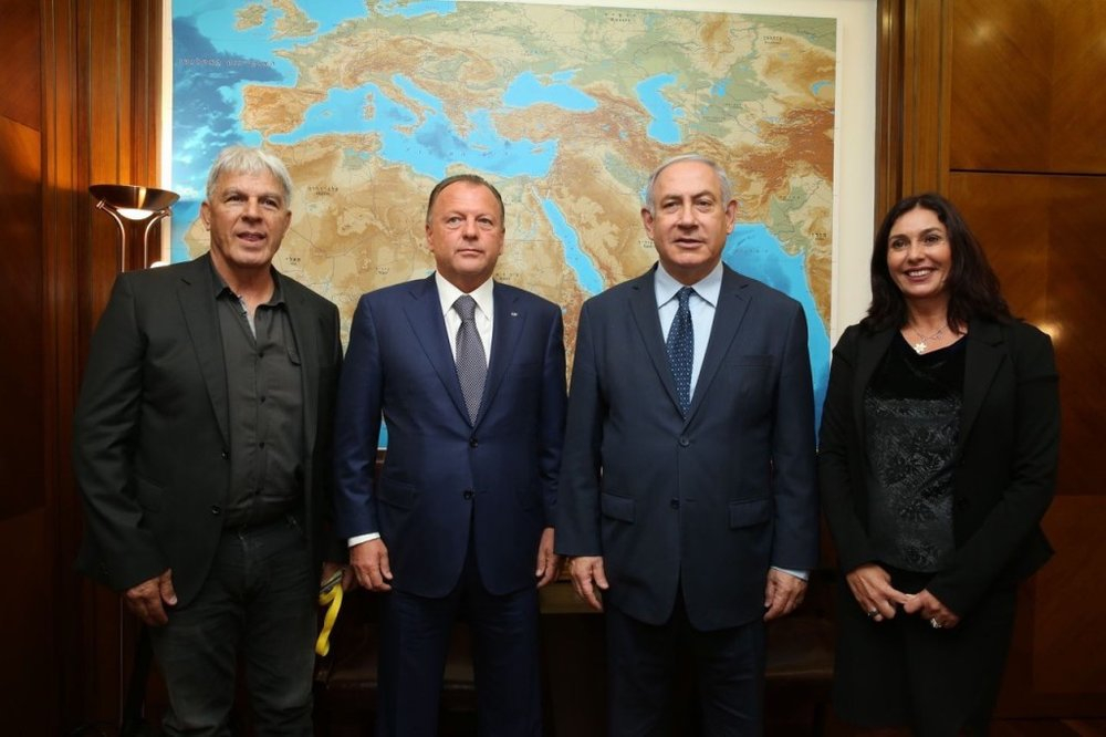 Left to right: Israel Judo Association's Moshe Ponti; International Judo Federation President Marius Vizer; Israeli Prime Minister Benjamin Netanyahu; Israeli Minister of Culture and Sport Miri Regev // photo IJF