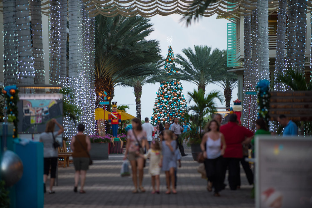 Camana_Bay_Christmas_Market.jpg