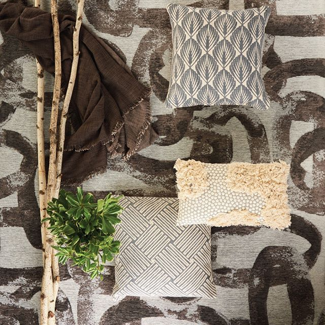 Riverbed in Glacier Grey makes our heart skip a beat! 💓 Perfect for the space that wants texture and pattern in a neutral color.