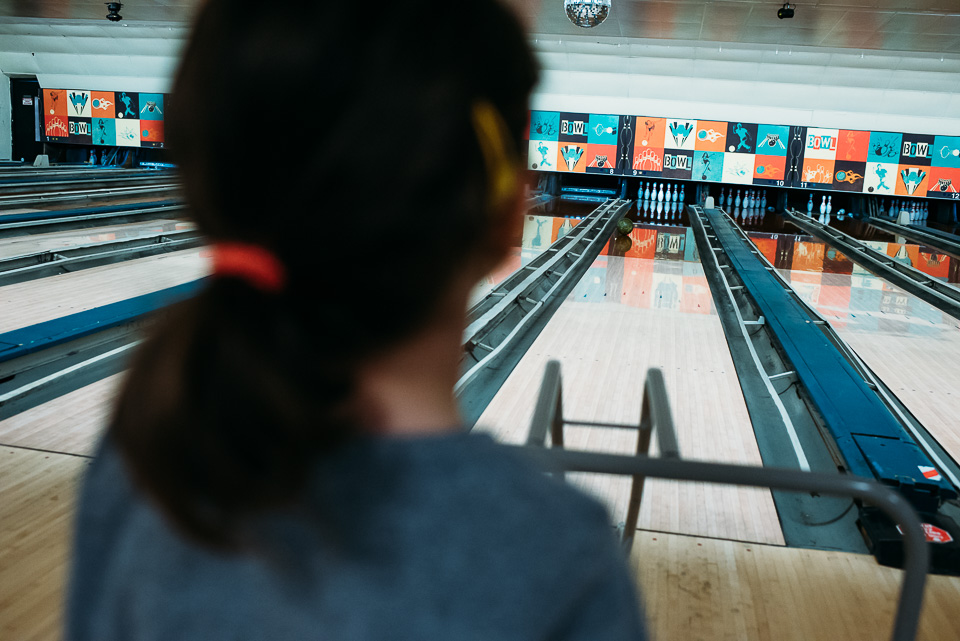 anna-liisa_nixon_photography_connecticut_family_bowling_adventure (9 of 42).jpg