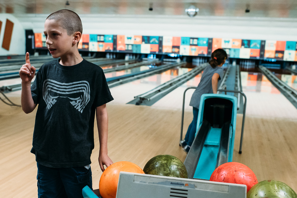 connecticut family photographer bowling