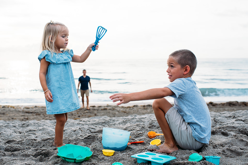 connecticut_family_photographer_beach_session (9 of 33).jpg