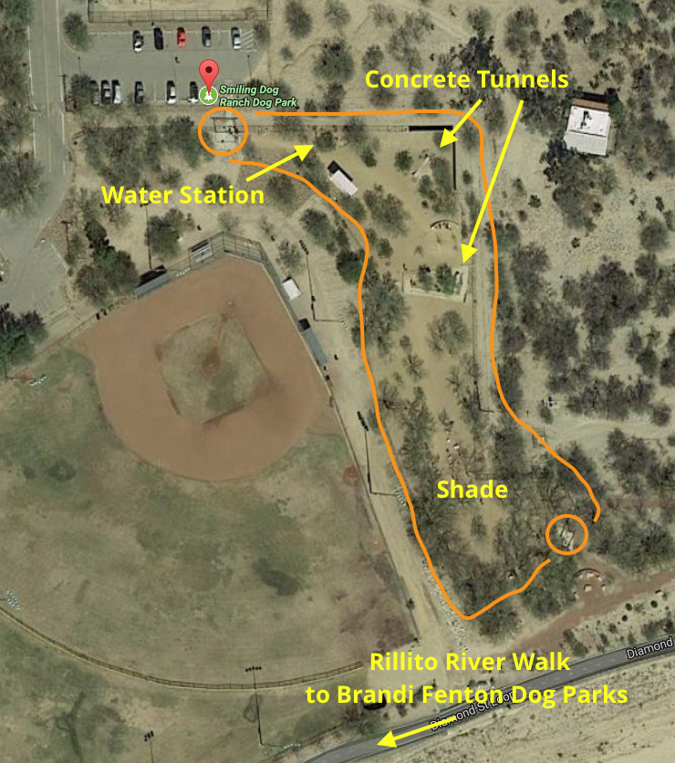 Smiling Dog Ranch is a longer and more narrow dog park with two entrances. The entrance by the parking lot is closer to River Road. The other entrance is from the Rillito River Walk.