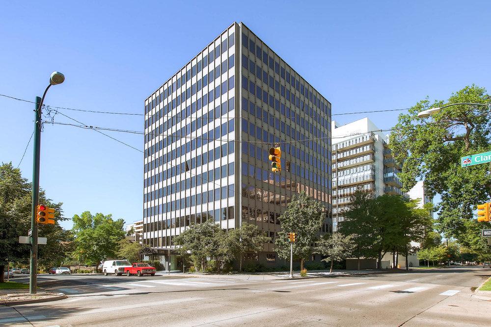 789 Clarkson St Penthouse 2-large-001-26-Exterior Front-1500x1000-72dpi.jpg