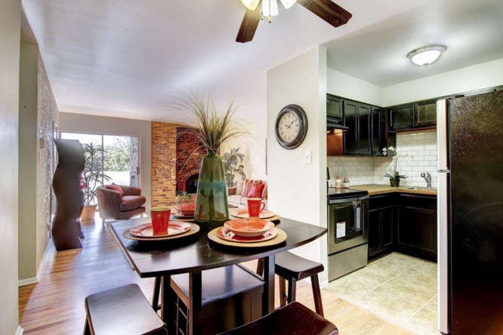 1366 Garfield Unit 509 Denver-small-012-Dining Room-666x445-72dpi.jpg