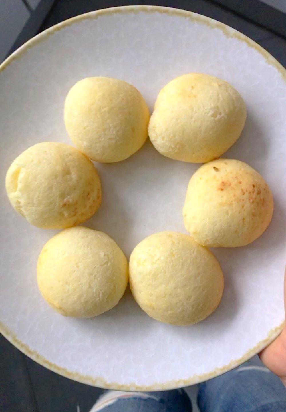 Pan de yuca Verde y Rosa.