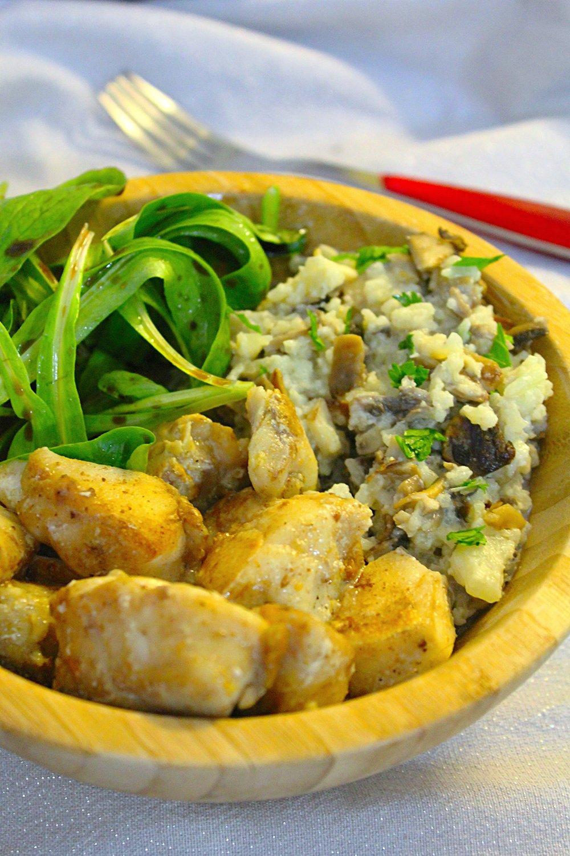 Mero básico con risotto funghi Verde y Rosa, feldsalat orgánica fresca de mi huerto con aceto balsámico orgánico y aceite de oliva extra virgen orgánico.