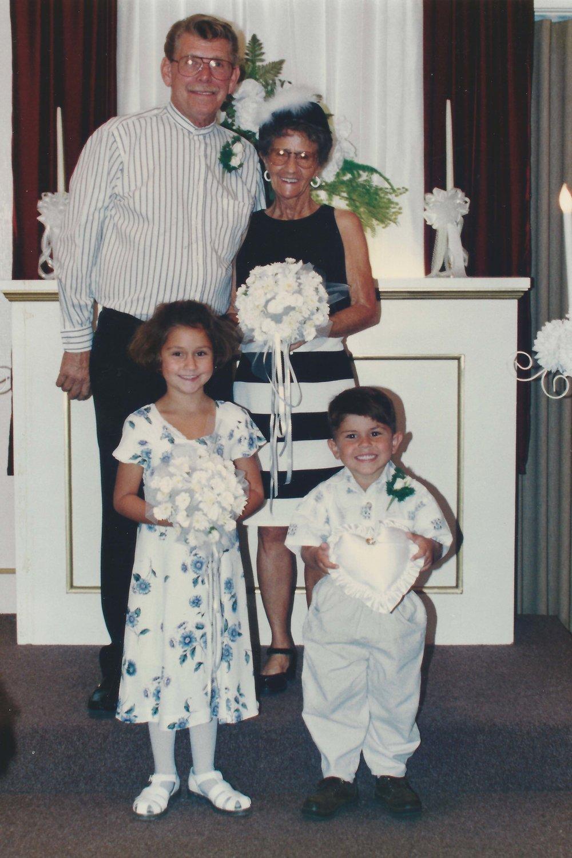 1986-08-Mom-and-Tom.jpg
