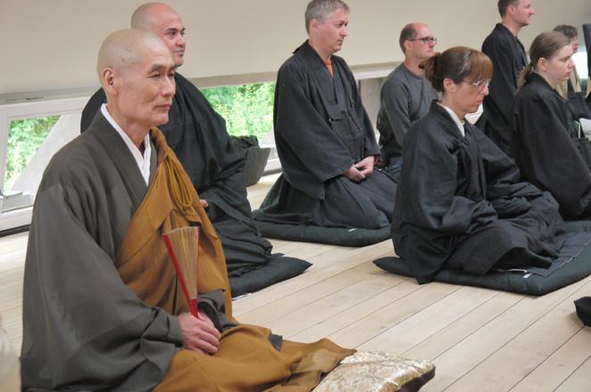 Saikawa-Roshi2013.jpg