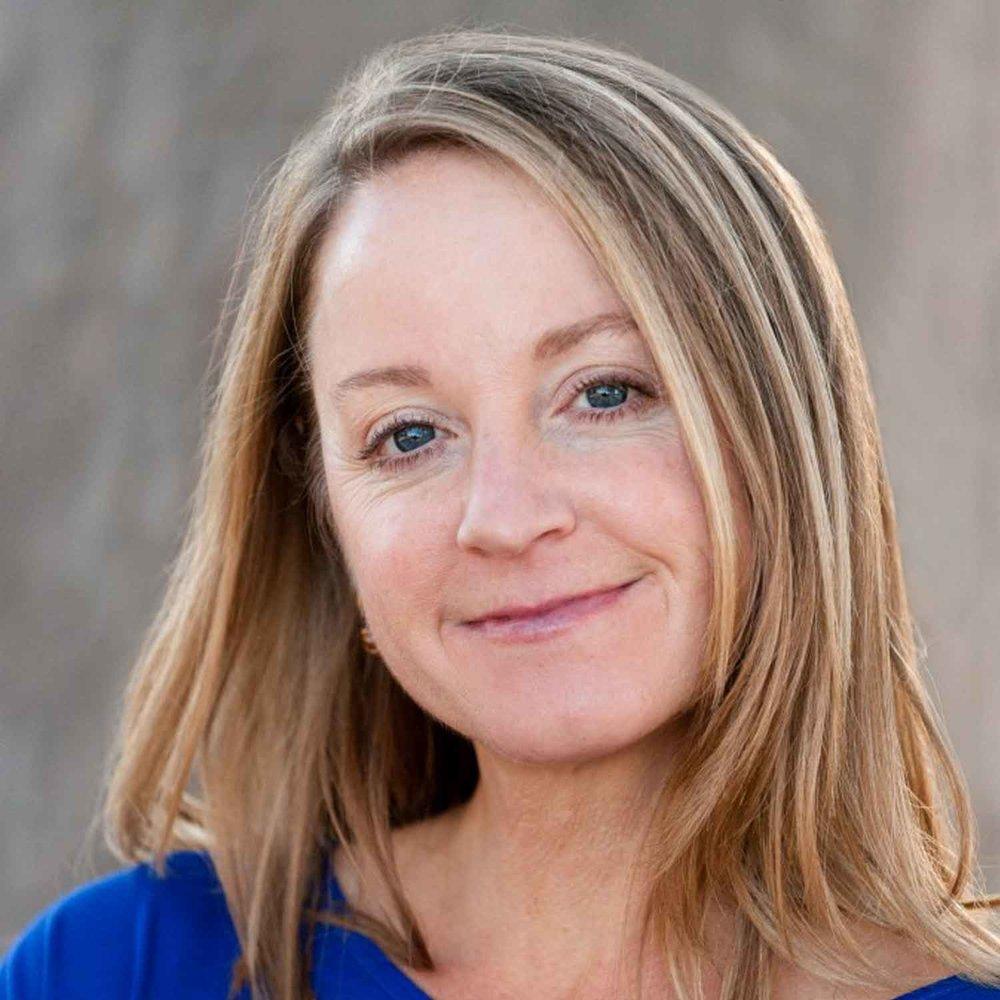 Laura Riordan Headshot Dare To Detour