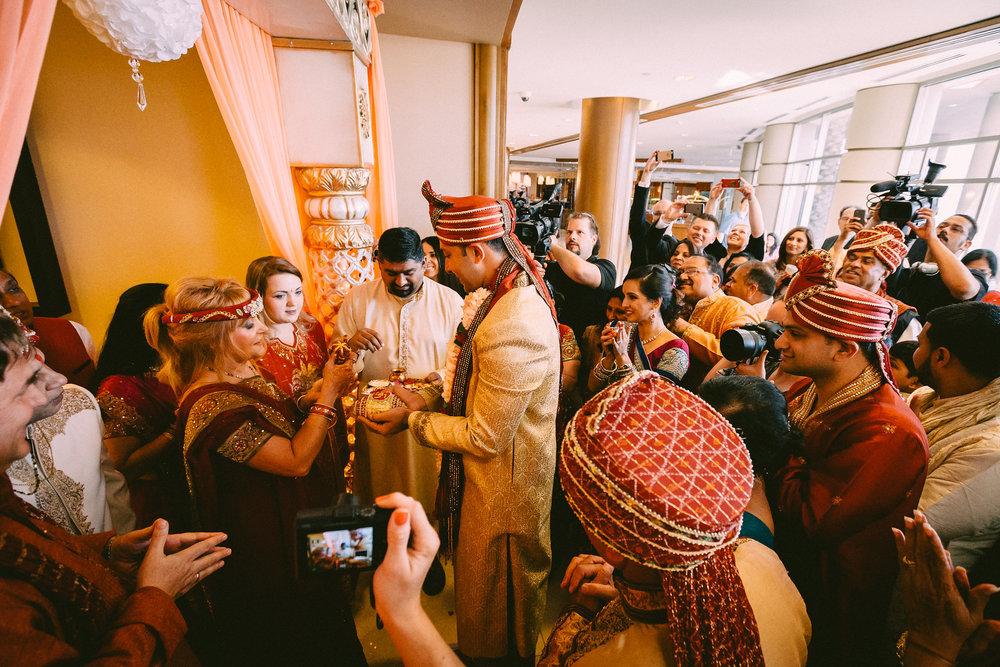 Nina-Ravi-Wedding-AM-20140705_10_17_59-1DX_2033-X3.jpg