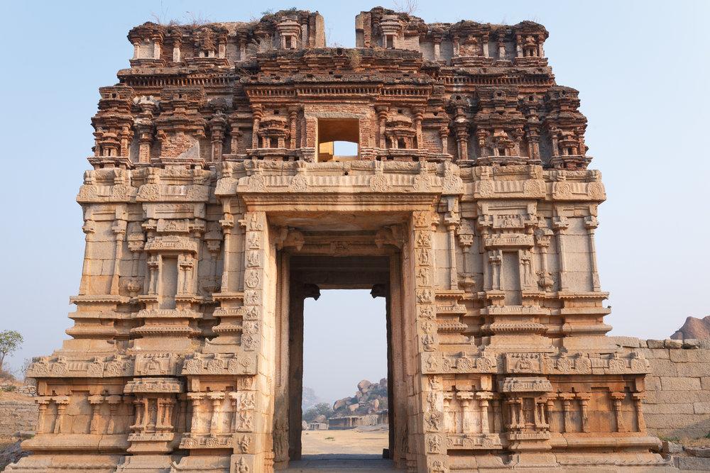 Gateway to the Achyutaraya Temple complex.