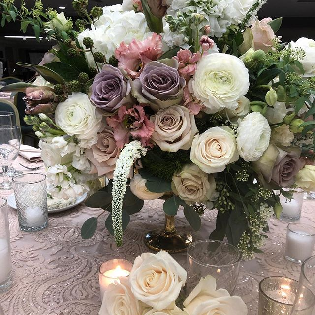 Fri- Yay Wedding ... 💕 with @lagondolabeverlyhills . . . #mazeltov #wedding #bride #groom #planner #floral