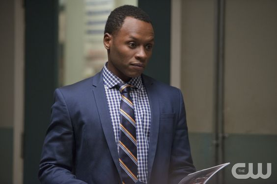 "iZombie -- ""The Exterminator"" -- Image Number: ZMB103A_0143 -- Pictured: Malcolm Goodwin as Clive Babineaux -- Photo: Diyah Pera/The CW -- © 2015 The CW Network, LLC. All rights reserved."