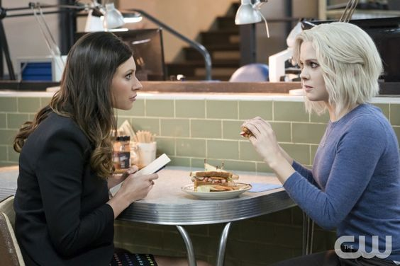 "iZombie -- Image Number: ZMB216a_0310.jpg -- ""Pour Some Sugar, Zombie"" -- Pictured (L-R): Aly Michalka as Peyton and Rose McIver as Liv -- Photo: Katie Yu/The CW -- © 2016 The CW Network, LLC. All rights reserved."