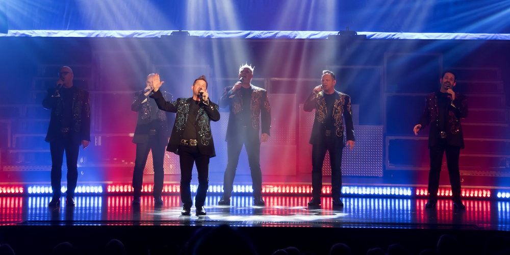 The SIX Show singers Branson Missouri.JPG