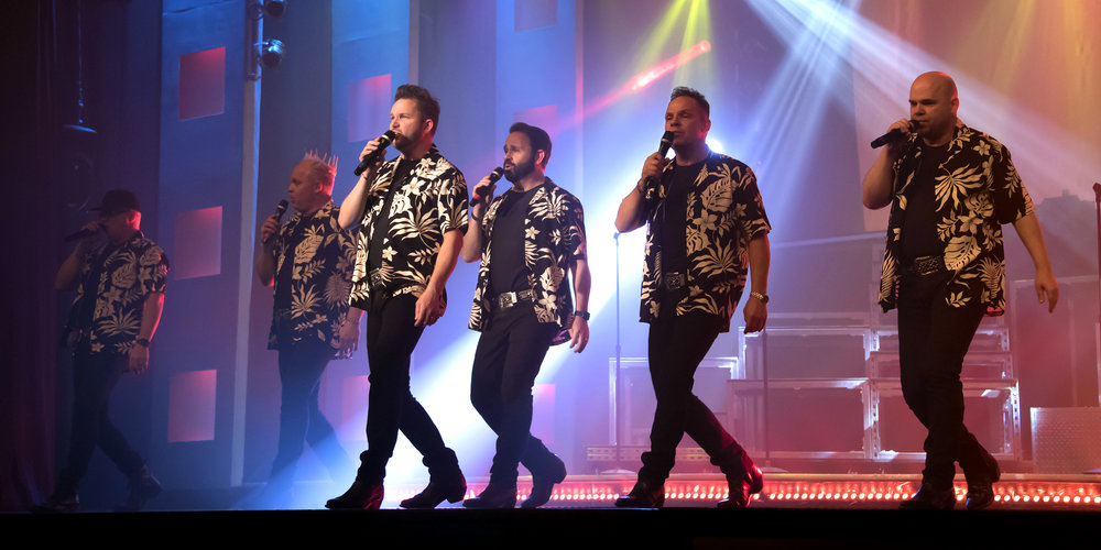 The SIX Show singing brothers in Branson.JPG