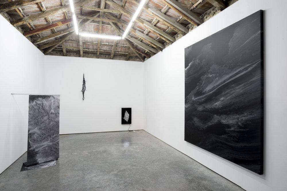 Installation of Paulo Arraiano's solo exhibition at Hawaii - Lisbon