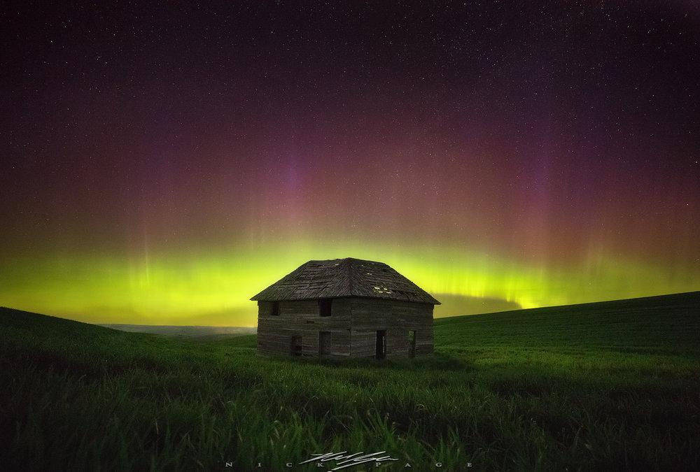 aurora-storm.jpg