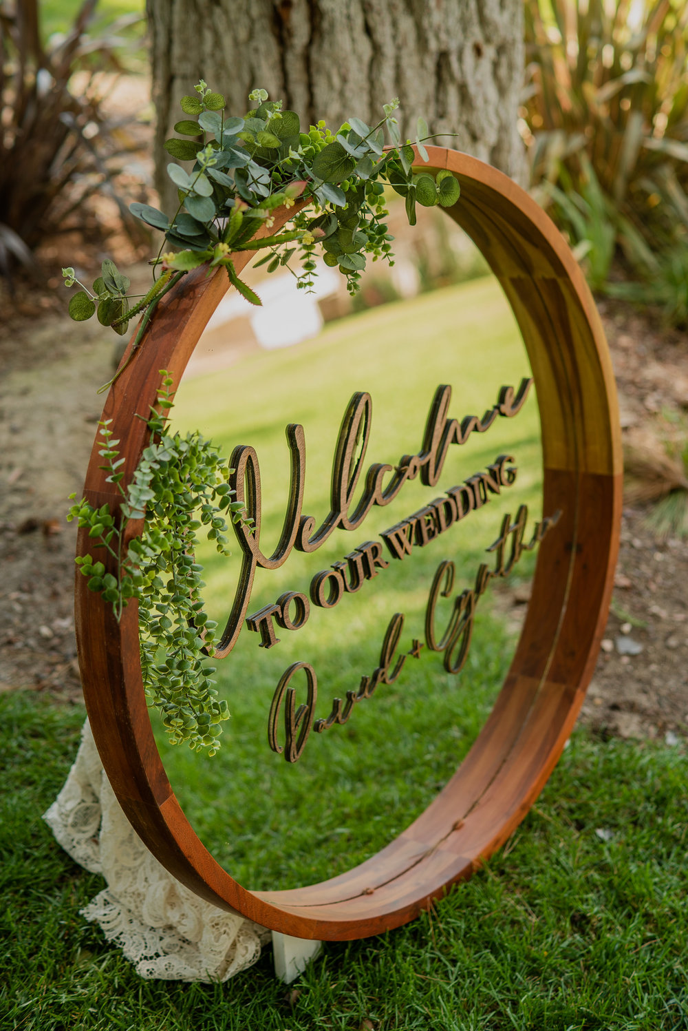 Styling & Set-up:  Eyesome Events     |   Signage:  Unshakably Unique     |   Mirror:  Ten Four Decor     |   Photo:   Super Million Visuals