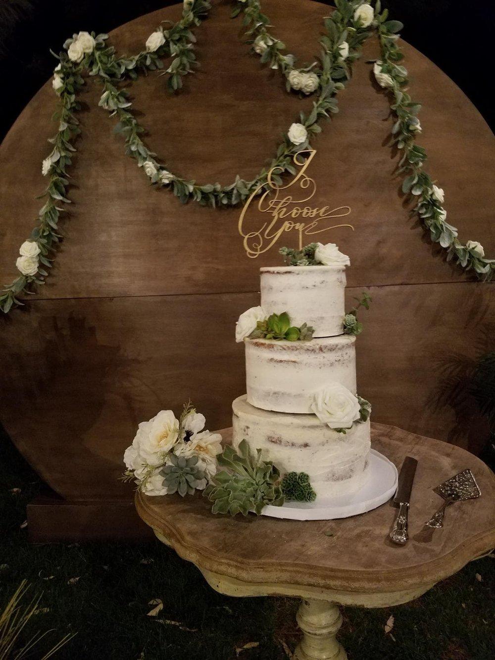 Cake:  Little Wonder Cakes    Cake Styling & Set-up:  Eyesome Events    Circle Backdrop:  Ten Four Decor    Cake topper:  Unshakably Unique    Photo: Eyesome Events