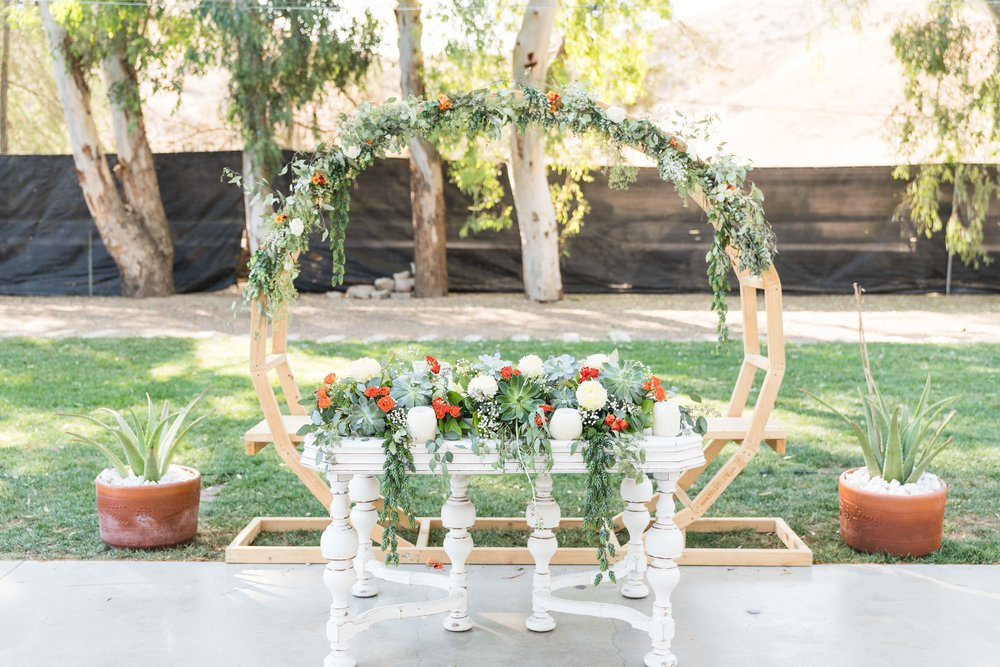 Styling & Set-up:  Eyesome Events     |  Table&Backdrop Circle:  Ten Four Decor     |   Photo:   Brandon Toma
