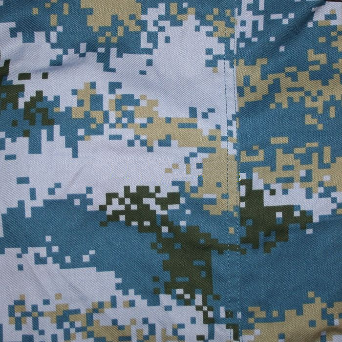 "Ocean Pattern:   (Official name: 07 Oceanic Camouflage, ""07 海洋迷彩"")  It is issued to the PLA Marine Corps and used by the Navy. It is issued to all naval forces since 2013."