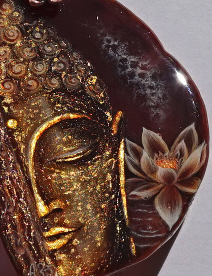Buddha-halfmoon-stine.png