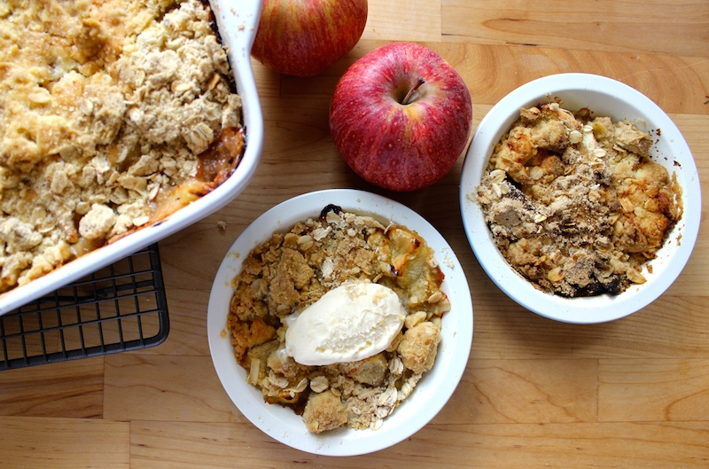 Autumn Flavours: Apple & Rhubarb Crumble