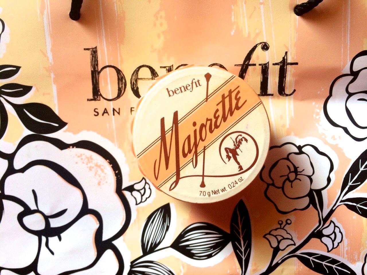Benefit Majorette