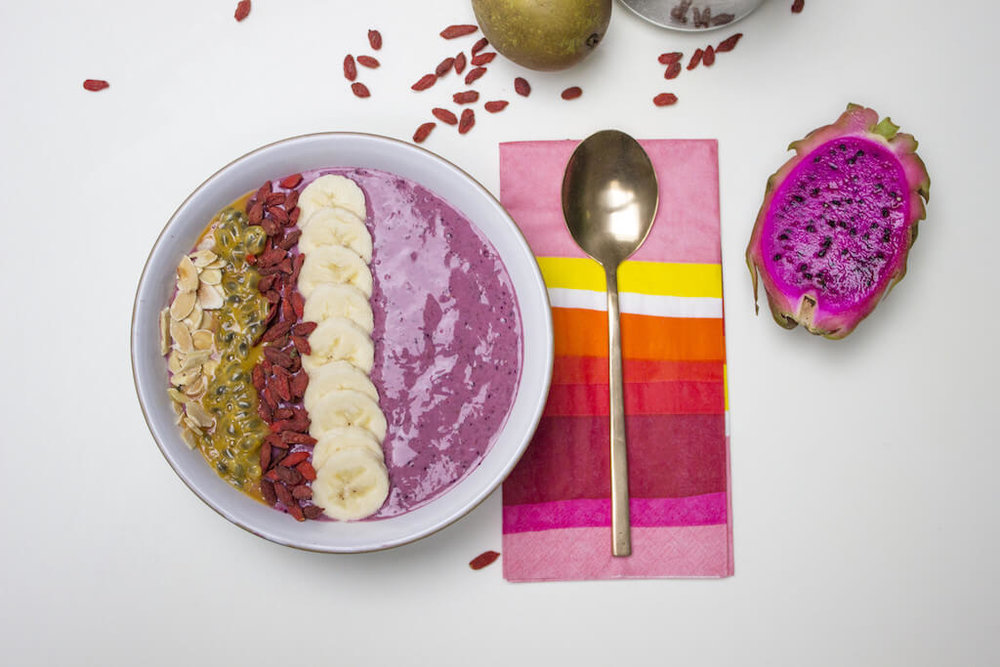 Make Over Your Morning: Berry Smoothie Bowl