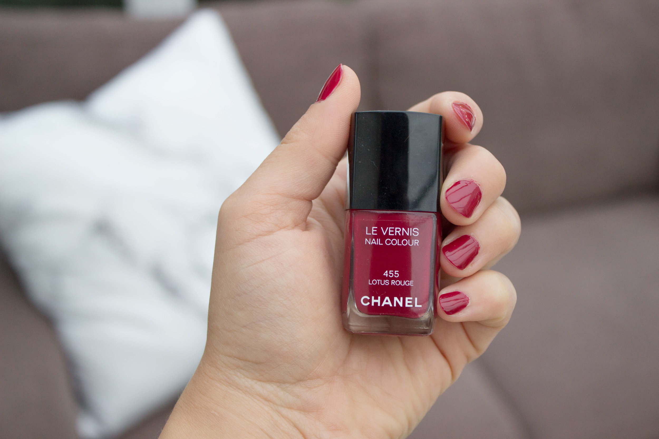 New Formula: Chanel Nail Polish | Pink Elephant Blog.