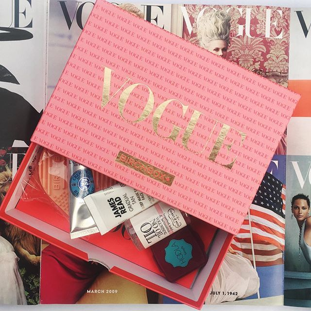 This months Birchbox is a Vogue themed beauty to celebrate their  125th Anniversary 🎉 If you fancy a monthly delivery of personalised beauty treats, now is the time to sign up - use the code BF20 to get a 20% discount off your subscription between now and Tuesday 💸