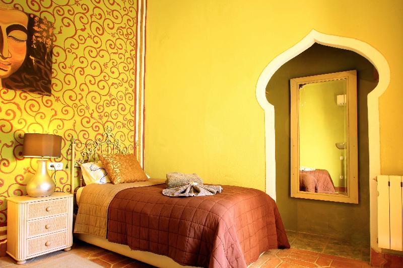 room-1-2.jpg