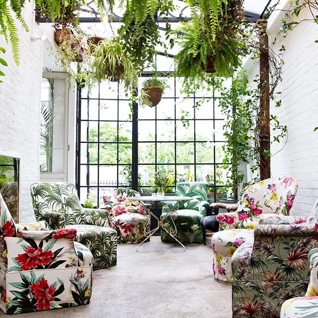 #Clerkenwell's best hidden oasis, at your service (and by service, we mean brunch, lunch, dinner, cocktails, events...) 💚🌺