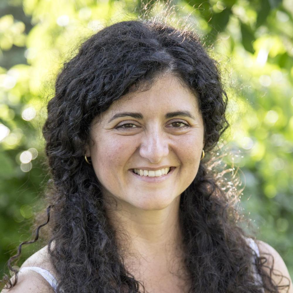 Ana Isabel Morales  Piano