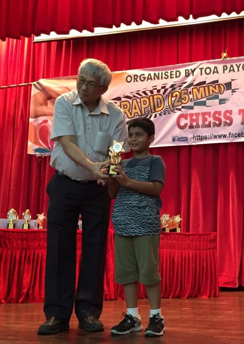 Vikrant Harihara places 1st in the Rapid Chess Tournament in Singapore - 2016